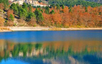 Η λίμνη της Αχαΐας που δημιουργήθηκε μετά από μια καταστροφική κατολίσθηση