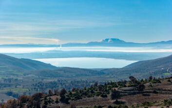 Απόκοσμο και μαγικό το τοπίο στην άγνωστη λίμνη της Φλώρινας