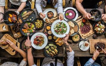 Οι τροφές που επιταχύνουν τη διαδικασία της γήρανσης