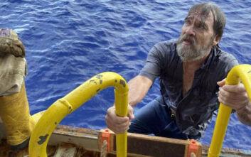 Αίσιο τέλος στον εφιάλτη: Αγνοούμενος στη θάλασσα βρέθηκε γαντζωμένος σε μια άκρη του βυθισμένου σκάφους του