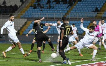 Super League 1: Κόλλησαν στη βροχή ΠΑΣ Γιάννινα και Άρης - Στο μηδέν (0-0) έμειναν οι δύο ομάδες