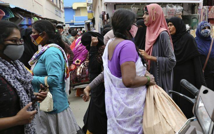 Περισσότερα από 18.000 κρούσματα κορονοϊού το τελευταίο 24ωρο στην Ινδία – Newsbeast