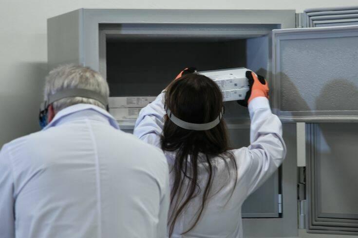 Ανατροπή δεδομένων για το εμβόλιο των Pfizer/ BioNTech και τη θερμοκρασία που πρέπει να διατηρείται