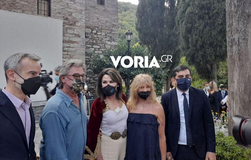 Κερτ Ράσελ και Γκόλντι Χόουν με Γιάννα Αγγελοπούλου στη Σκιάθο