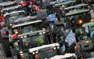 Σέρρες: Στους δρόμους με τα τρακτέρ τους οι αγρότες