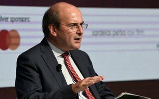 Χατζηδάκης: Το 2021 έτος εφαρμογής του πλαισίου για την αναδοχή και την υιοθεσία