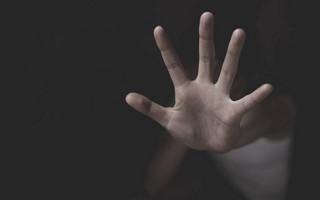 Υπόθεση βιασμού 15χρονης ΑμΕΑ στον Βόλο: Η γνωριμία φέρεται να έγινε μέσω social media