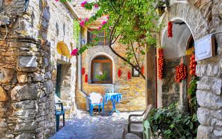Η Ίος ανάμεσα στα 20 καλύτερα ελληνικά νησιά της Evening Standard