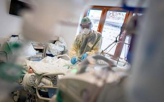 Γκάγκα: Διασωληνώθηκαν 20άρηδες και 30άρηδες – Πολύ μεγάλος ο αριθμός εισαγωγών στα νοσοκομεία