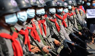 Πραξικόπημα στην Μιανμάρ: Διπλωμάτες των δυτικών χωρών καλούν τον στρατό να «αποφύγει τη χρήση βίας»