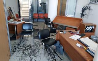 Αντιεξουσιαστές τα διέλυσαν όλα στο γραφείο του Λευτέρη Αυγενάκη στο Ηράκλειο – Μήνυμα για τον Δημήτρη Κουφοντίνα