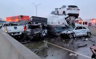 Απίστευτες εικόνες από καραμπόλα 100 οχημάτων: Εγκλωβίστηκαν οδηγοί, πολλοί τραυματίστηκαν