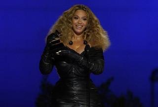 Grammy Awards 2021: Μία διαφορετική τελετή απονομής με εντυπωσιακές εμφανίσεις