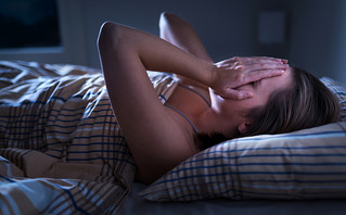 Τα tips μιας ψυχοθεραπεύτριας για να κοιμόμαστε καλύτερα το βράδυ