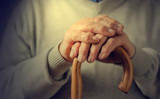 Ληστές βασάνισαν ηλικιωμένο 100 ετών στο Ίλιον – Άγριος ξυλοδαρμός και της γυναίκας που τον φρόντιζε