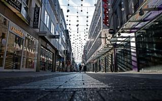 Κορονοϊός: Νέα έρευνα αμφισβητεί ότι τα μέτρα συνέβαλαν στη μείωση των κρουσμάτων