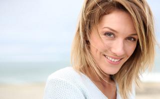 Οι επιλογές που κάνετε στο χτένισμα των μαλλιών σας και σας κάνουν να δείχνετε μεγαλύτερες