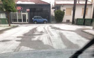Καιρός: Απίστευτες εικόνες στην Κοζάνη – Με μπουλντόζα μάζεψαν το χαλάζι
