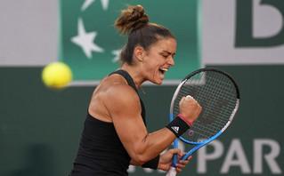 Μαρία Σάκκαρη: Συγκλονιστικά καρέ από την μυθική μάχη της στον ημιτελικό του Roland Garros