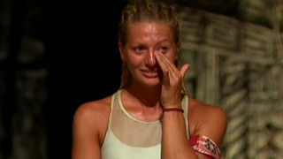 Survivor: Αποχώρησε η Ελένη Χαμπέρη