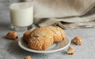 Πανεύκολα μπισκότα με μόνο δύο υλικά