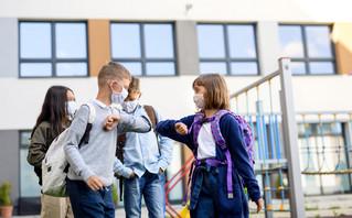 Κορονοϊός: Οι επιπτώσεις στα παιδιά και o ρόλος των σχολείων στη διασπορά του ιού