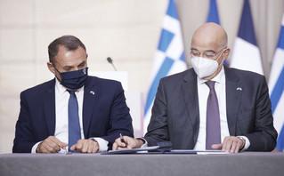 Νίκος Παναγιωτόπουλος και Νίκος Δένδιας υπογράφουν την αμυντική συμφωνία Ελλάδας-Γαλλίας