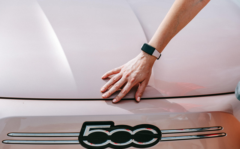 HONOR Band 6 & Fiat 500e